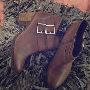 Leather taupe boots